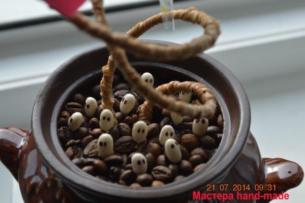 Топиарий из зерен кофе