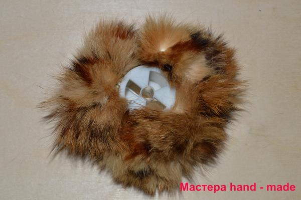 Резинка для волос из меха