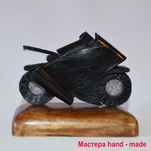 Мотоцикл из кожи