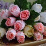 Розы из гофрированной бумаги: как сделать букет из роз в подарок своими руками