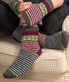 Вязаные митенки и носочки