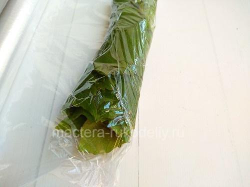 Виноградные листья заворачиваем в пленку