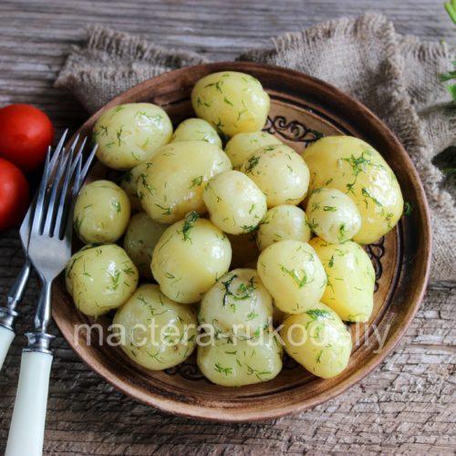 Вкусная молодая картошечка с укропом