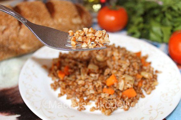 Рассыпчатая гречка с овощами